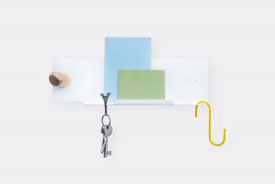 Pocket organiser shelve with keys