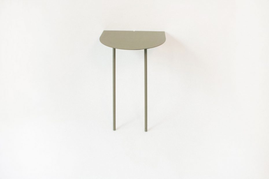 wall leaning table green