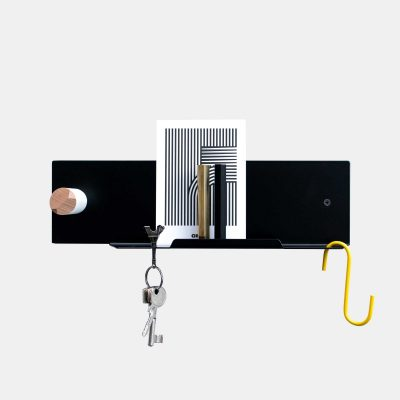 Pocket organiser shelf with keys holder